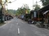 Główna ulica w Teluk Nipah (rano)