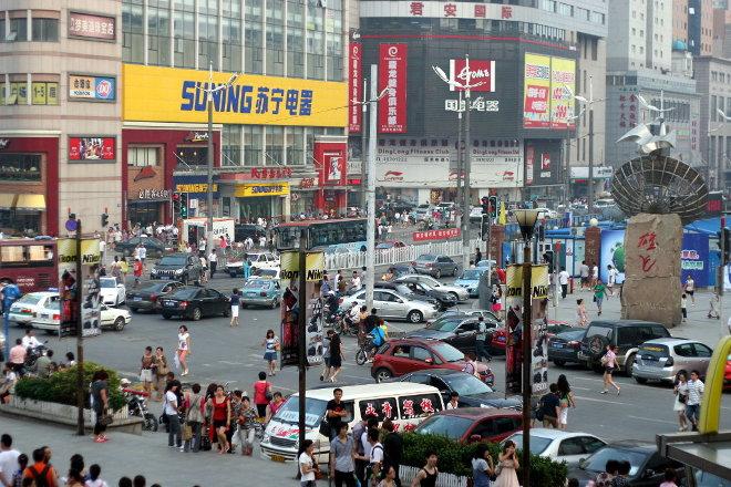 Ruch-uliczny-w-centrum-Dalian